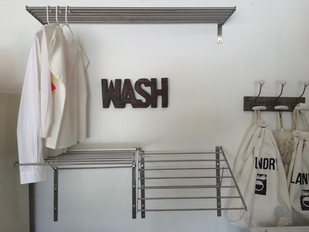 Laundryshelves