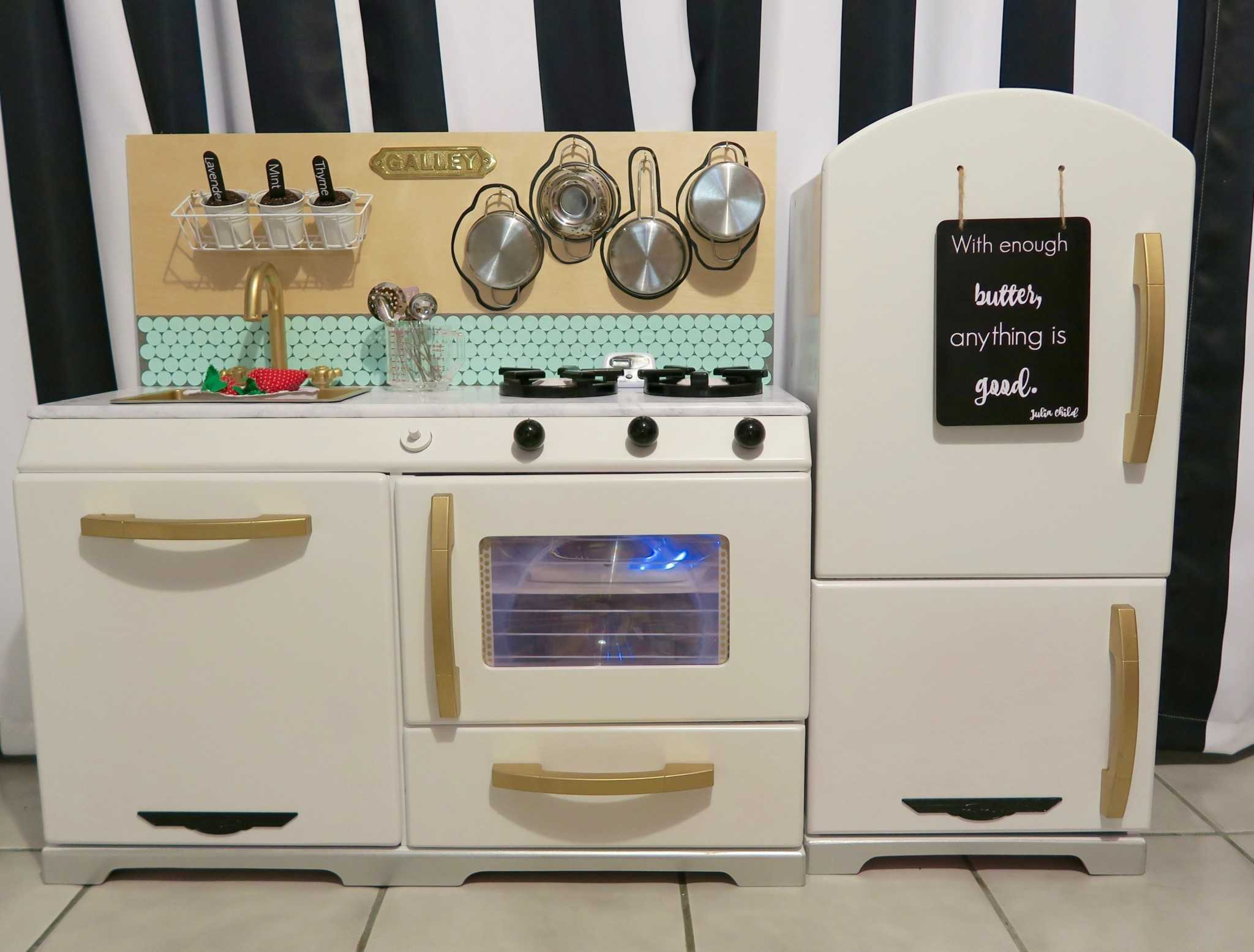Playroom ideas and diy kid kitchen a host of things for Playroom kitchen ideas