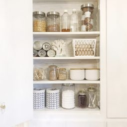 5 Ways to make a Pinterest Worthy Pantry